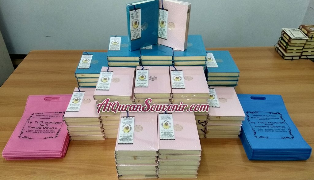 Pesanan AlQuran Custom Cover 100 pcs Al-Quran Souvenir Untuk Peringatan 100 Hari